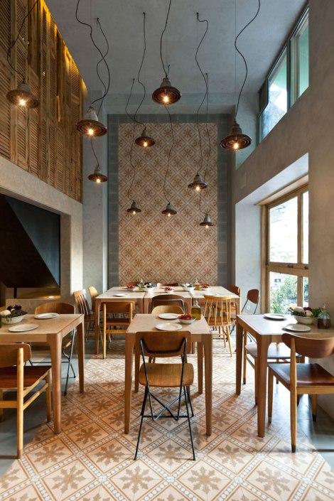 restaurante trattoria atenas suelo hidraulico y madera