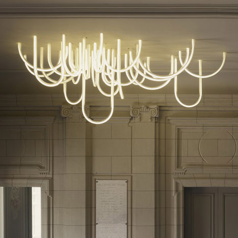 dezeen_Les-Cordes-chandelier-by-Mathieu-Lehanneur-for-Chateau-Borely_1