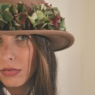 Sombrero con hortensias. Flores secas